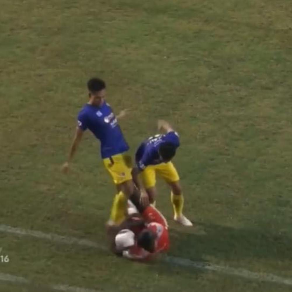 Hà Nội FC: Niềm tự hào hay nỗi buồn của bóng đá Thủ đô vì đá láo, đá xấu? Ảnh 1