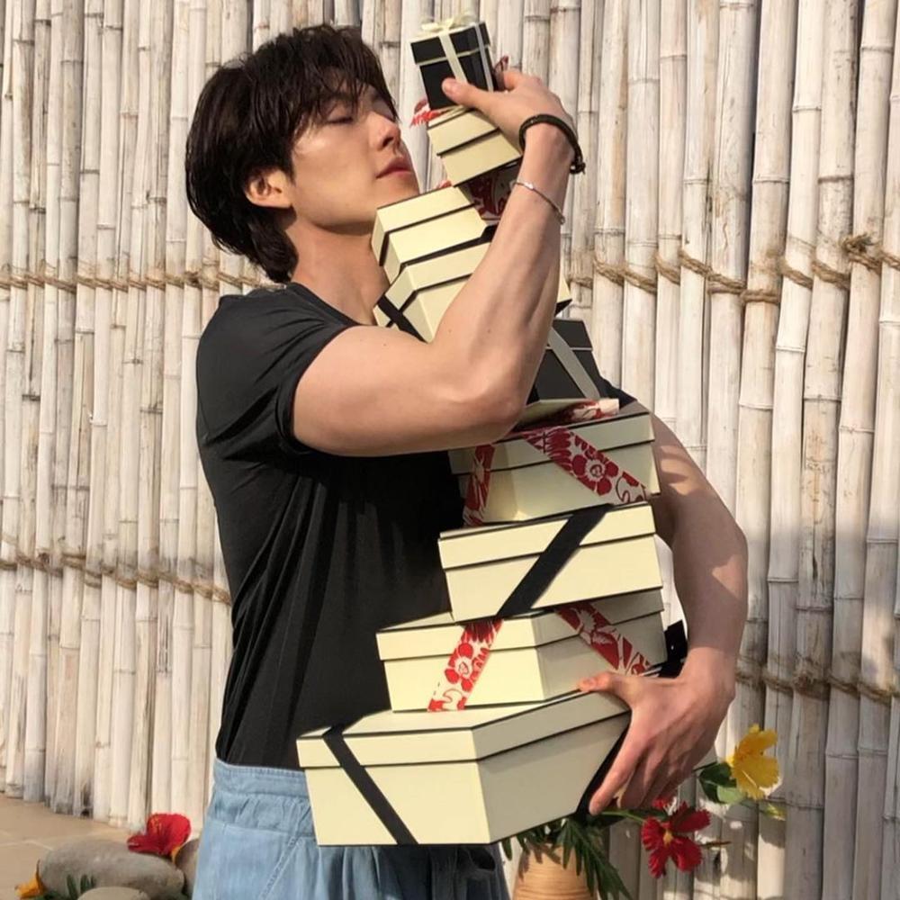 Tin bão đêm khuya: Shin Min Ah - Kim Woo Bin chuẩn bị kết hôn? Ảnh 8