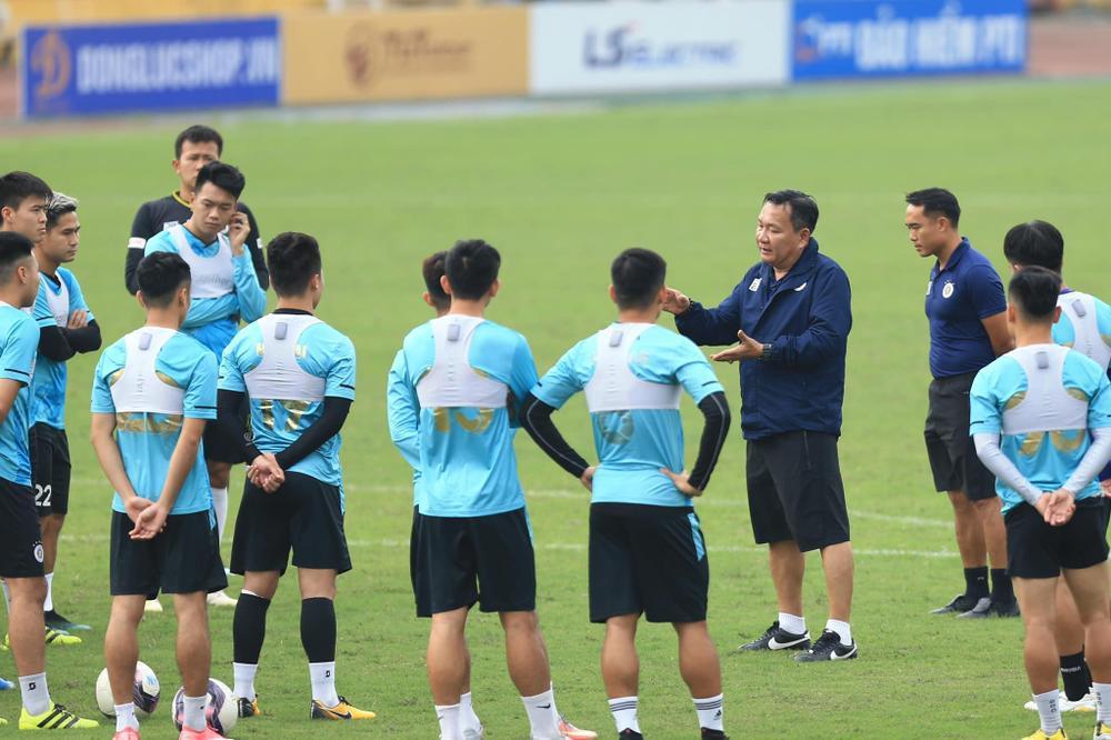 HLV Hoàng Văn Phúc tham vọng vô địch V-League 2021 cùng Hà Nội FC Ảnh 1