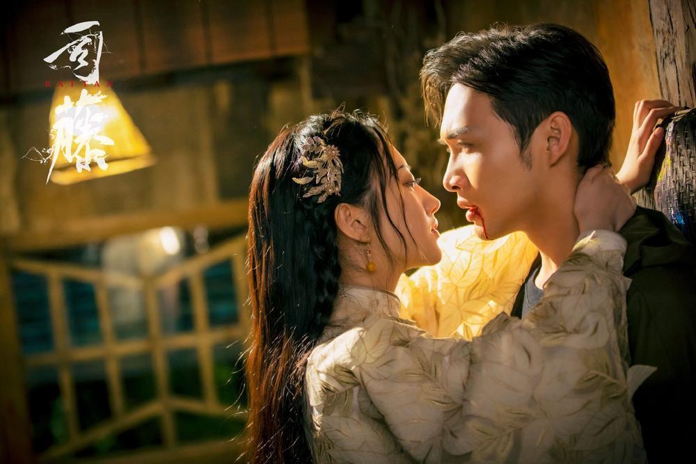 Cảnh Điềm chủ động khóa môi 'bạn trai' Dương Mịch ngay trên sóng truyền hình Ảnh 8