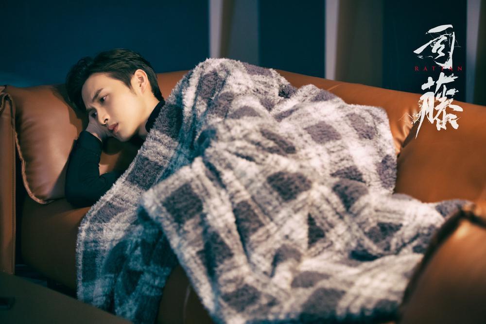 Cảnh Điềm chủ động khóa môi 'bạn trai' Dương Mịch ngay trên sóng truyền hình Ảnh 7