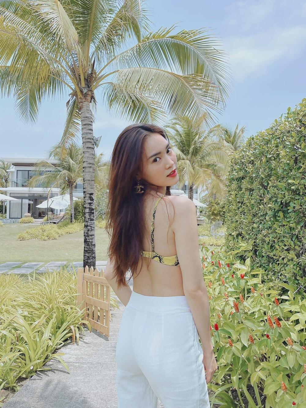 Tuyển tập bikini hack dáng cực cao tay của Ninh Dương Lan Ngọc, fan tha hồ 'no mắt' Ảnh 4