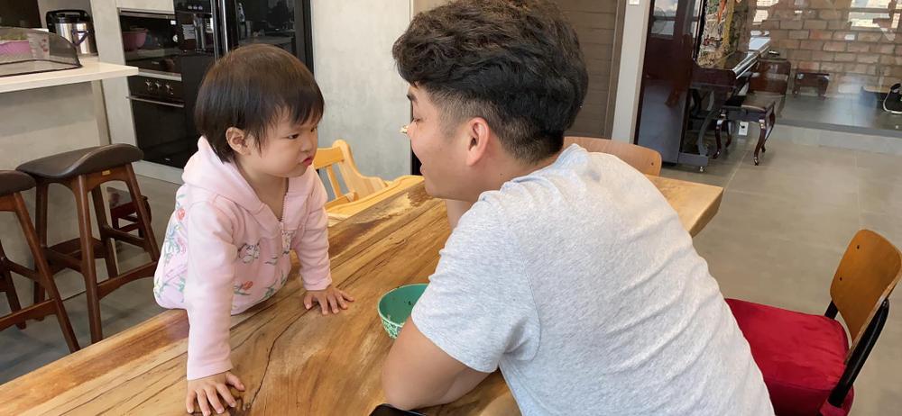 Lê Phương tiết lộ con gái được chồng cưng đến mức không muốn cho đi nhà trẻ Ảnh 6