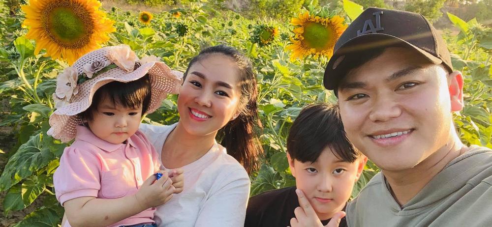 Lê Phương tiết lộ con gái được chồng cưng đến mức không muốn cho đi nhà trẻ Ảnh 7