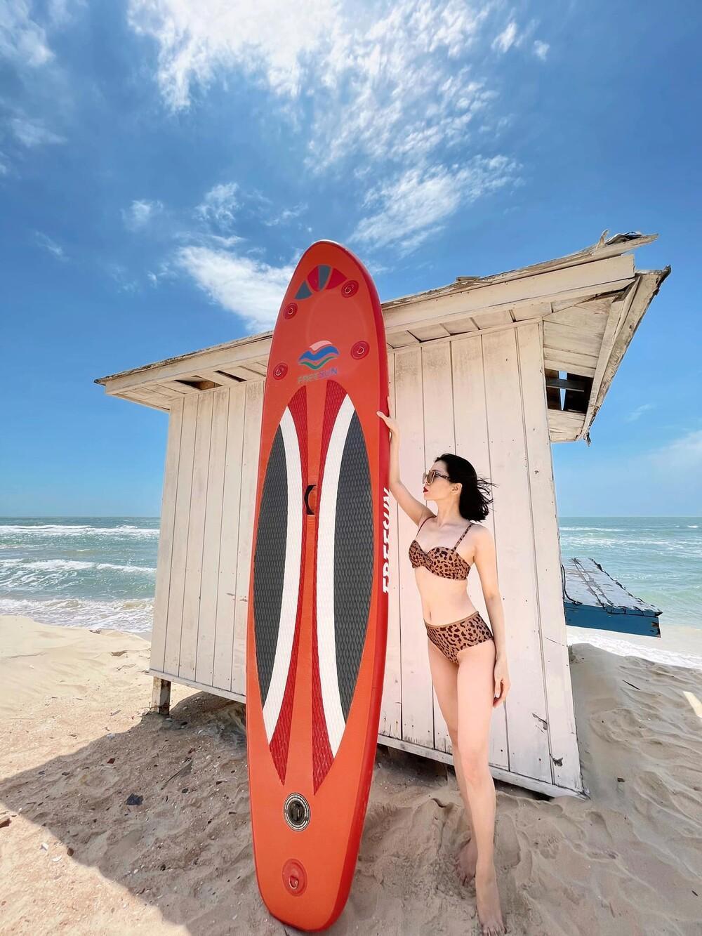 Lệ Quyên mặc bikini khoe body 'siêu thực' thách thức camera thường Ảnh 8