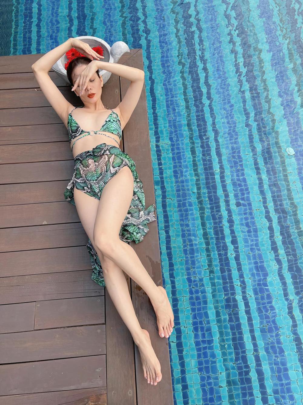 Lệ Quyên mặc bikini khoe body 'siêu thực' thách thức camera thường Ảnh 1