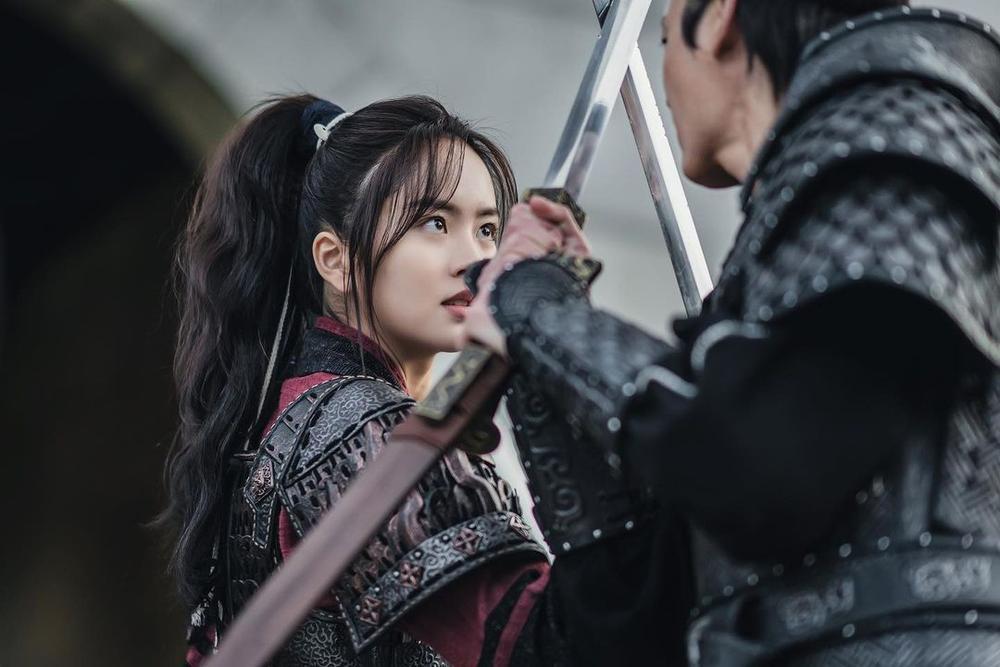 Rating phim của Kim So Hyun cùng phim của Song Kang đều giảm xuống mức thấp nhất kể từ khi lên sóng Ảnh 6