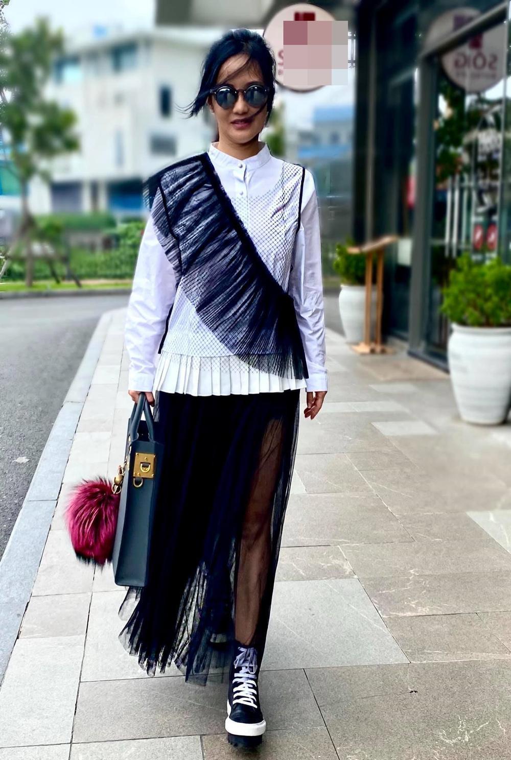 Diva Hồng Nhung 'cưa sừng làm nghé' với style giấu quần, khoe đôi chân nuột không cần photoshop Ảnh 6
