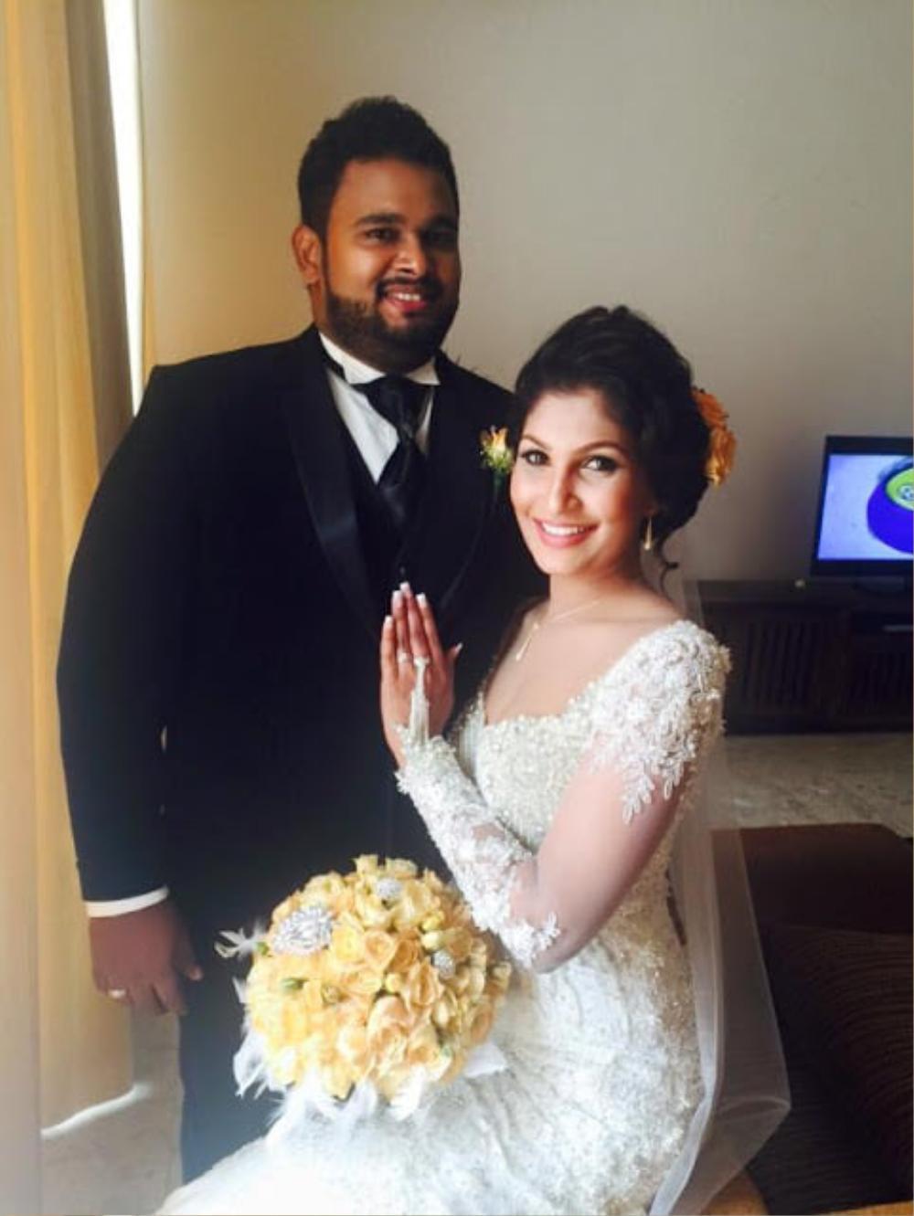 Mới đăng quang hoa hậu, quý bà Sri Lanka bị giật vương miện trên sân khấu, chấn thương phải nhập viện Ảnh 10