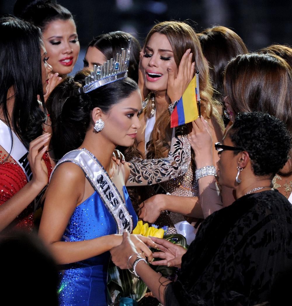 Mới đăng quang hoa hậu, quý bà Sri Lanka bị giật vương miện trên sân khấu, chấn thương phải nhập viện Ảnh 12