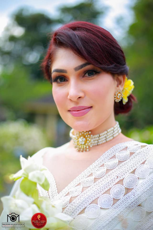 Mới đăng quang hoa hậu, quý bà Sri Lanka bị giật vương miện trên sân khấu, chấn thương phải nhập viện Ảnh 5
