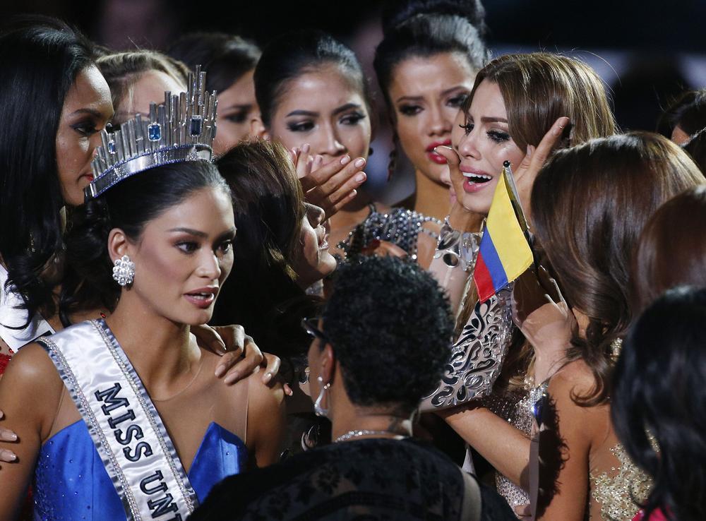 Mới đăng quang hoa hậu, quý bà Sri Lanka bị giật vương miện trên sân khấu, chấn thương phải nhập viện Ảnh 11
