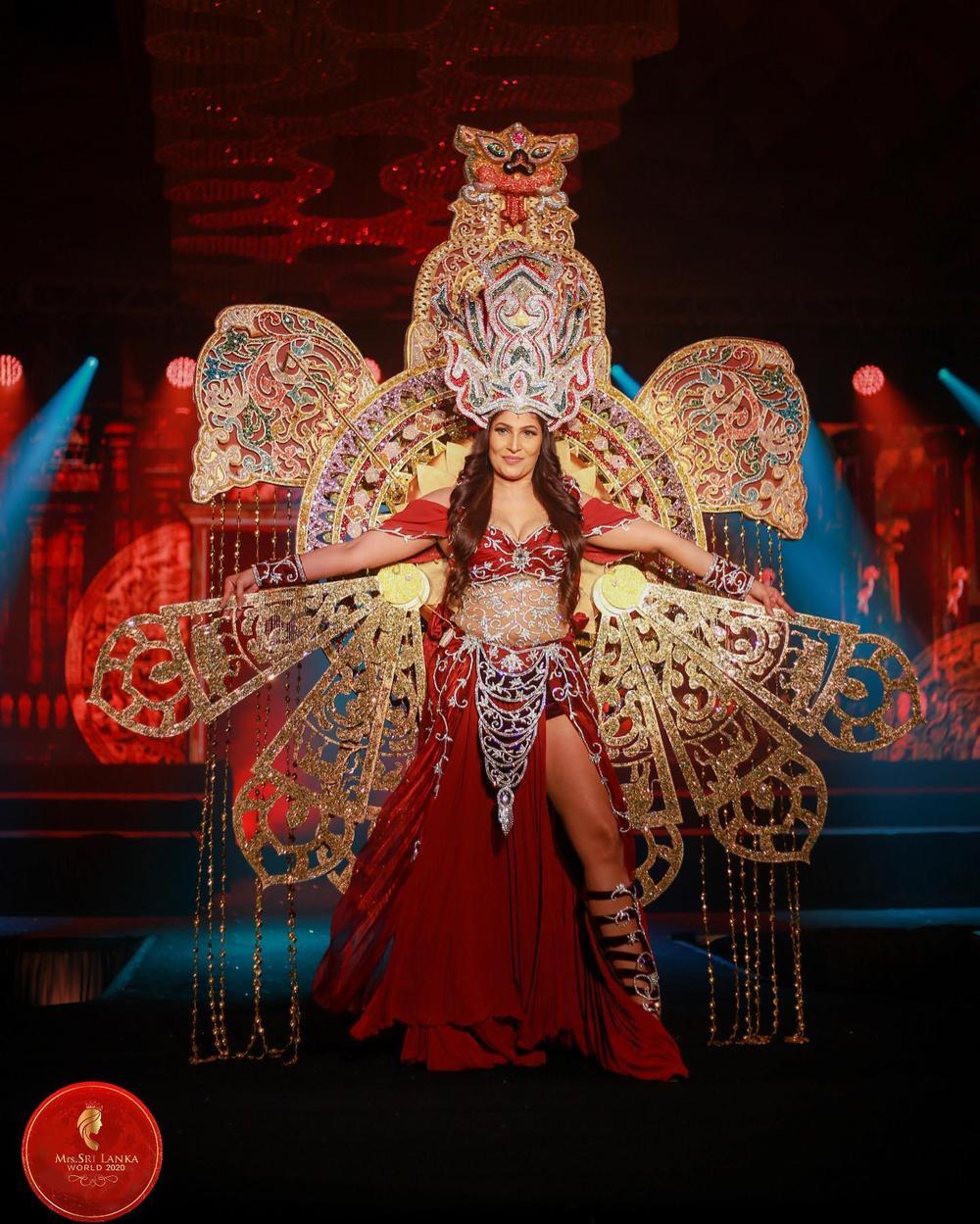 Mới đăng quang hoa hậu, quý bà Sri Lanka bị giật vương miện trên sân khấu, chấn thương phải nhập viện Ảnh 6