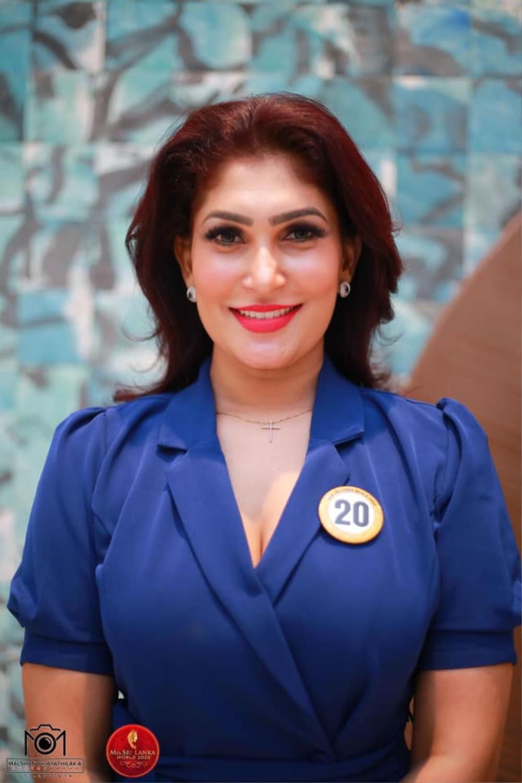 Mới đăng quang hoa hậu, quý bà Sri Lanka bị giật vương miện trên sân khấu, chấn thương phải nhập viện Ảnh 4