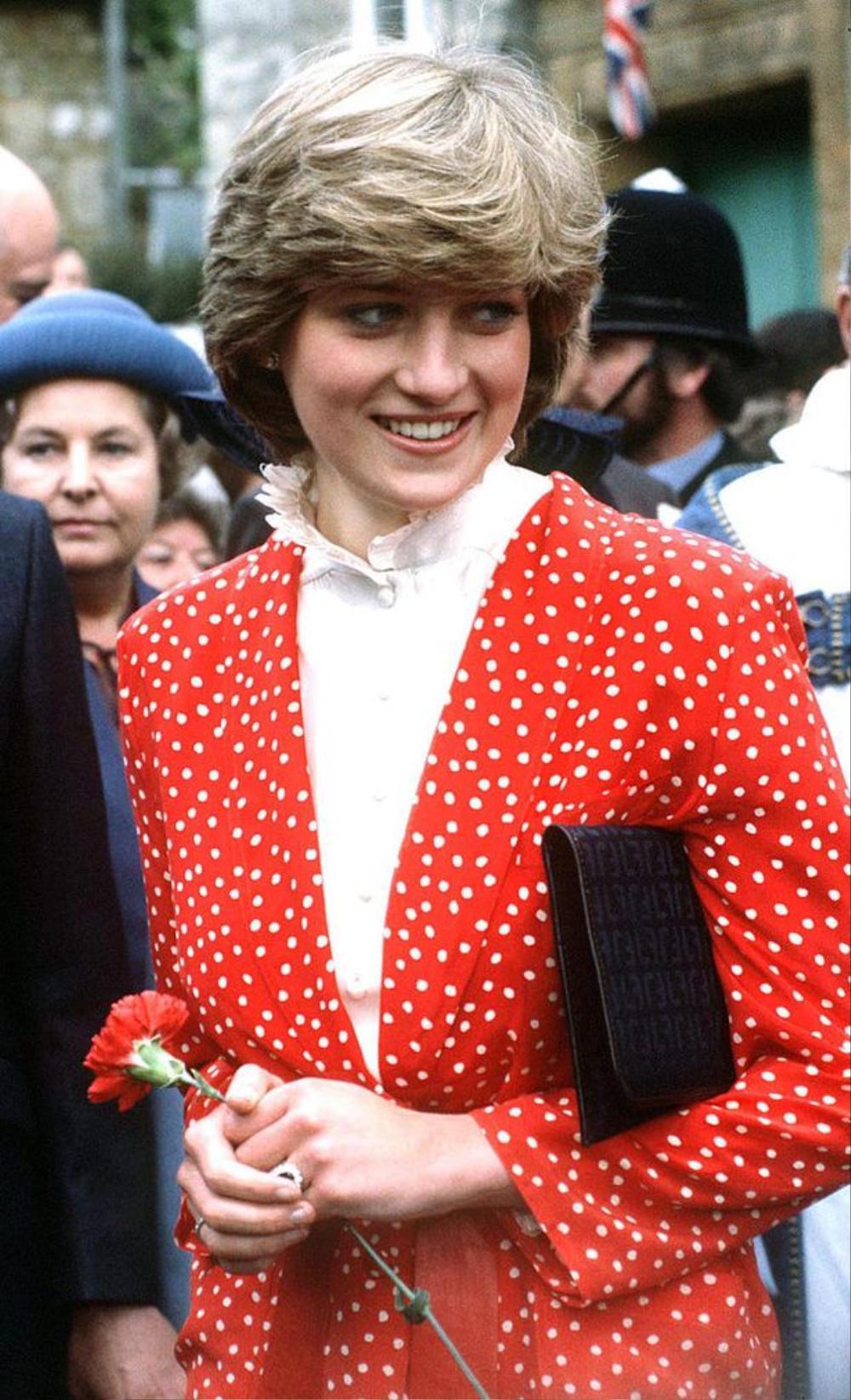 Chuyên gia: 'Hoàng gia không học được gì từ bài học của Công nương Diana' sau cuộc phỏng vấn với Oprah Ảnh 1