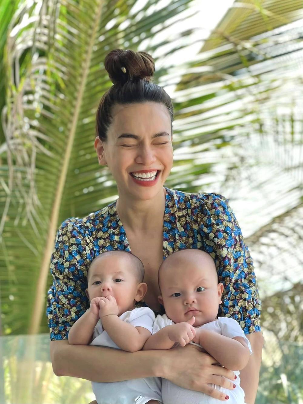Con trai út nhà Hà Hồ - Leon ngạc nhiên tột độ khi nghe siêu hit 8 tỷ view Baby Shark 'xào nấu' tên mình Ảnh 8