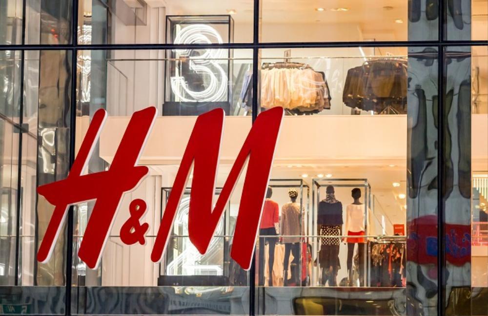 H&M và những cú trượt dài trong scandal khó lòng cứu vớt Ảnh 1