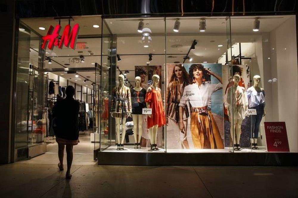 H&M và những cú trượt dài trong scandal khó lòng cứu vớt Ảnh 2