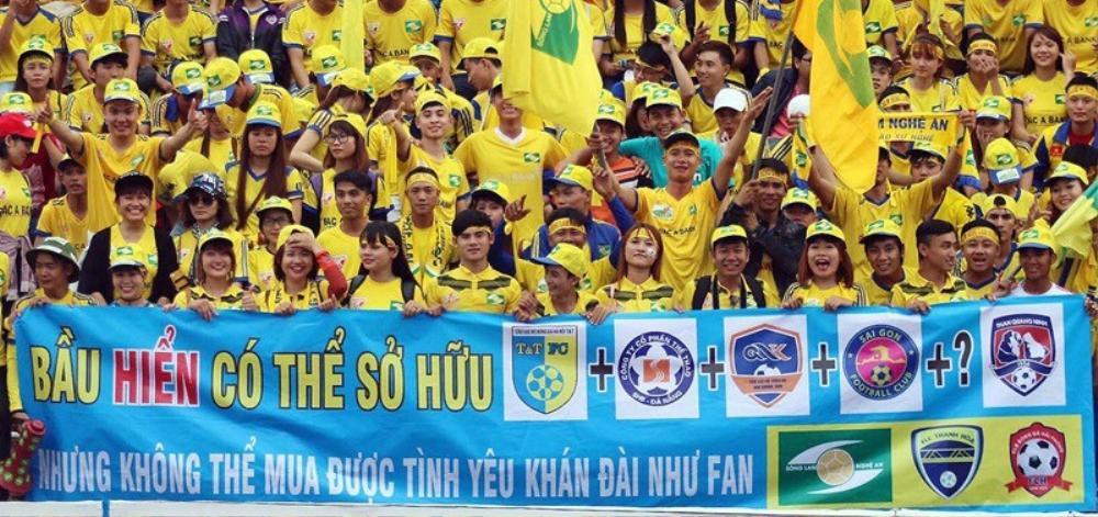Vì sao Hà Nội FC của bầu Hiển không được yêu như HAGL? Ảnh 1
