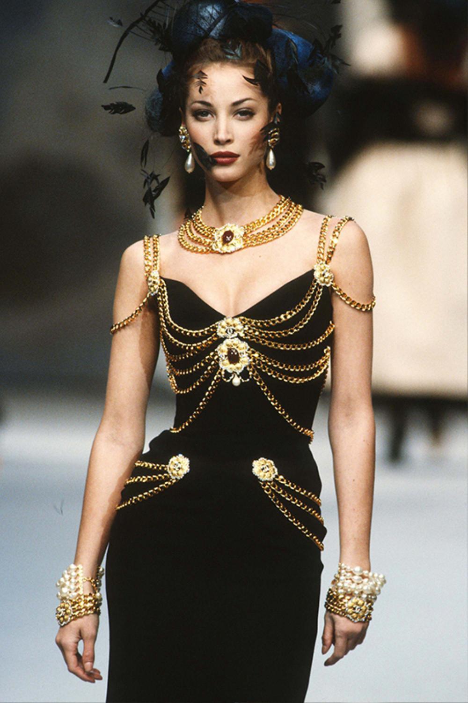 Phía Á hậu Kim Duyên phân trần khi bị soi mặc váy nhái Chanel đi sự kiện Ảnh 1