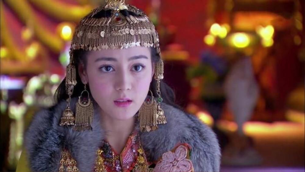 Địch Lệ Nhiệt Ba rất đẹp nhưng liệu có thích hợp đóng phim cổ trang? Ảnh 7