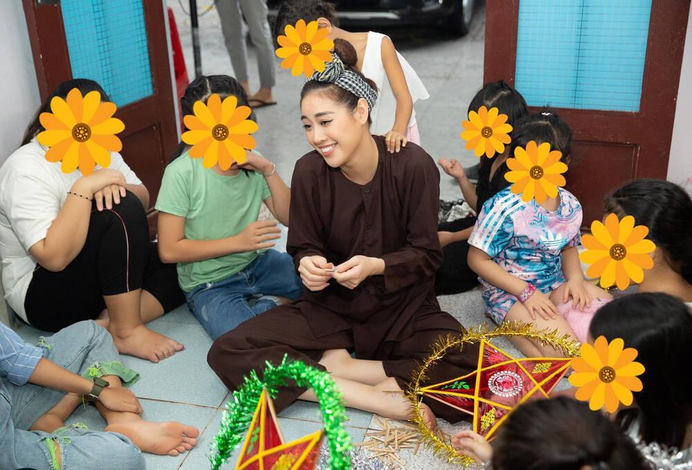 Khánh Vân cuốn hút với ảnh profile Miss Universe 2020: Đại sứ giải cứu trẻ em lay động fan sắc đẹp Ảnh 5