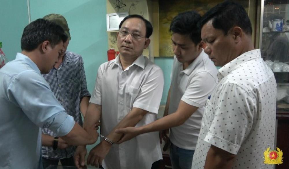 Giám đốc Bệnh viện ở Tiền Giang bị bắt khẩn cấp vì liên quan đến vụ giết người do ghen tuông tình ái Ảnh 1