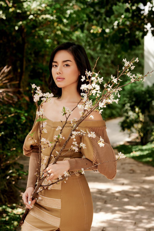 'Cô em Trendy' Khánh Linh hoá nàng thơ trong những bộ đầm từ chất liệu tái chế Ảnh 2