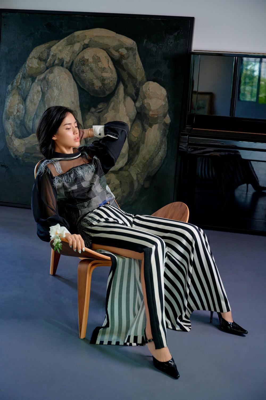 'Cô em Trendy' Khánh Linh hoá nàng thơ trong những bộ đầm từ chất liệu tái chế Ảnh 7