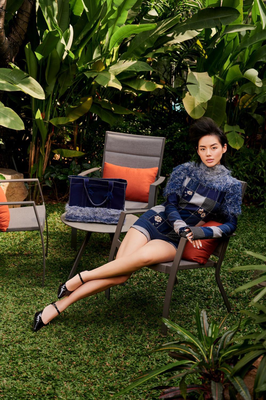 'Cô em Trendy' Khánh Linh hoá nàng thơ trong những bộ đầm từ chất liệu tái chế Ảnh 1