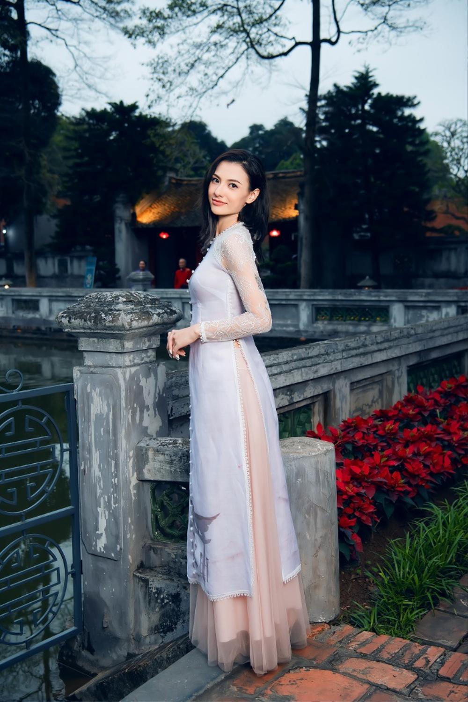 Hoa hậu Ngọc Hân diện áo dài quảng bá nét đẹp văn hoá Ảnh 5