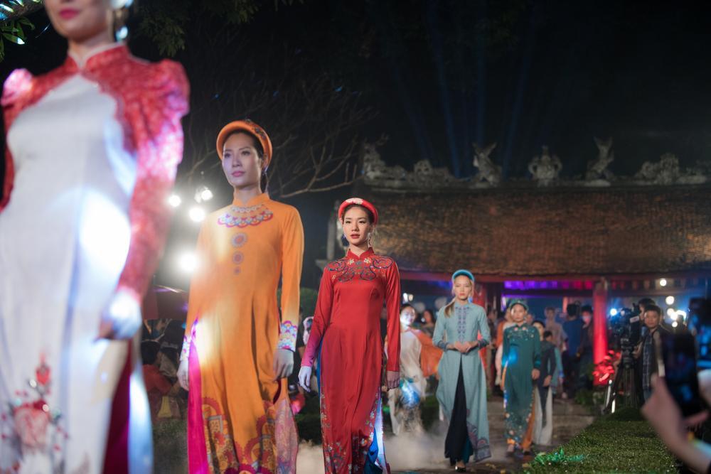 Hoa hậu Ngọc Hân diện áo dài quảng bá nét đẹp văn hoá Ảnh 4