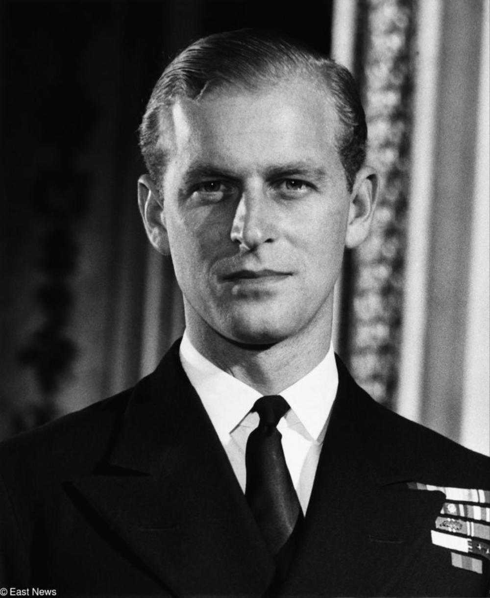 Câu chuyện chưa kể về buổi gặp gỡ khiến Nữ hoàng Elizabeth phải lòng Hoàng thân Philip Ảnh 2