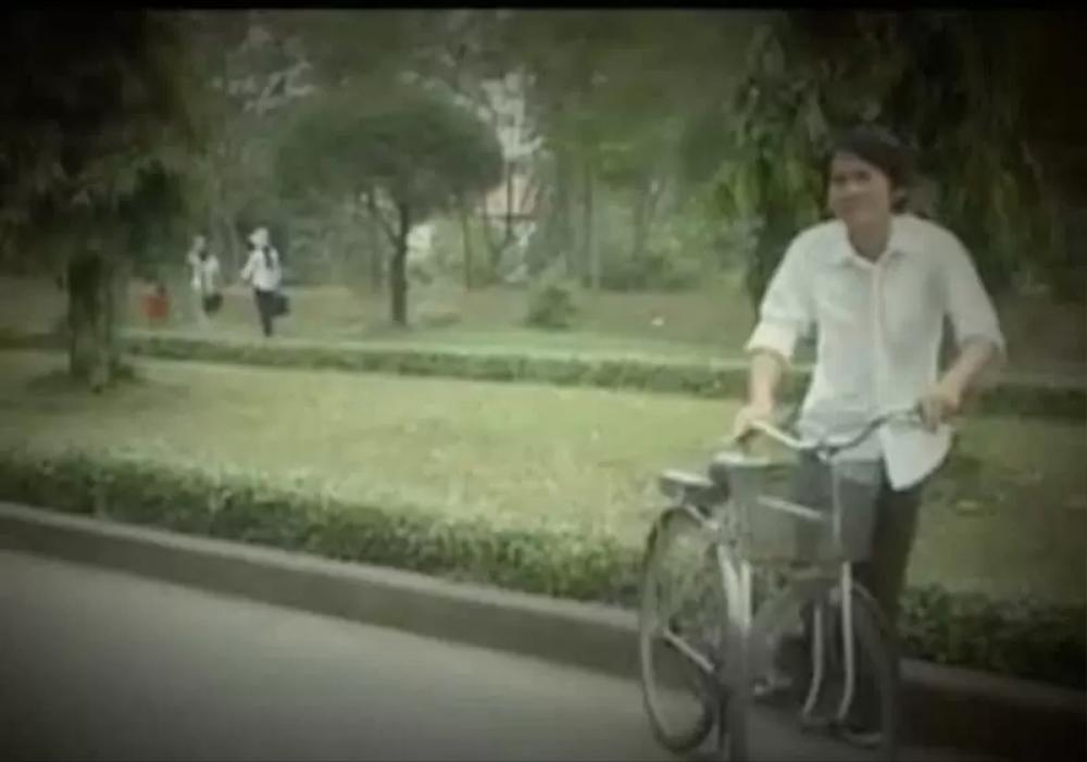 Phát hiện thú vị: Trường ĐH Nông Lâm TP.HCM 14 năm trước đã xuất hiện trong MV của ca sĩ nổi tiếng Ảnh 2