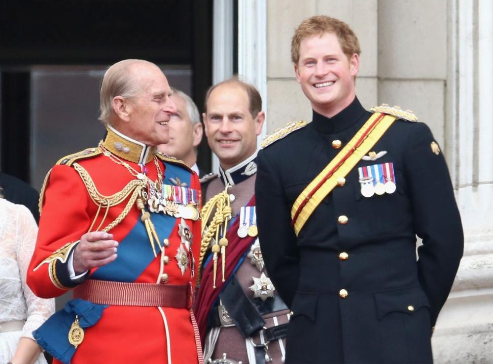 Những khoảnh khắc ngọt ngào nhất của Hoàng thân Philip và Hoàng tử Harry Ảnh 9
