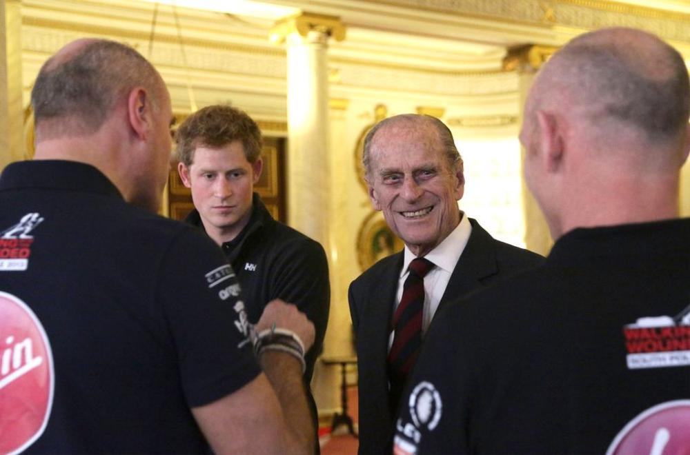Những khoảnh khắc ngọt ngào nhất của Hoàng thân Philip và Hoàng tử Harry Ảnh 8