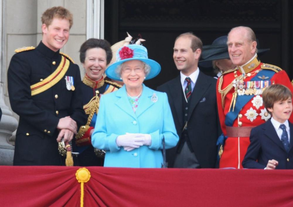 Những khoảnh khắc ngọt ngào nhất của Hoàng thân Philip và Hoàng tử Harry Ảnh 6