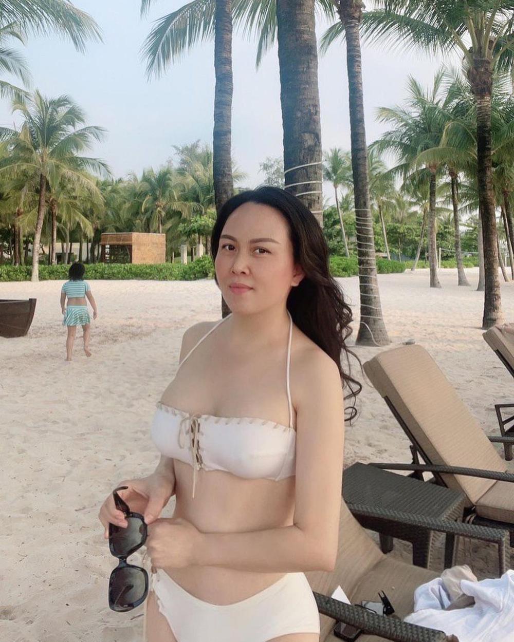 Giữa ồn ào chia tay Quách Ngọc Ngoan, Phượng Chanel tung ảnh bikini khoe body nuột khó tin Ảnh 4