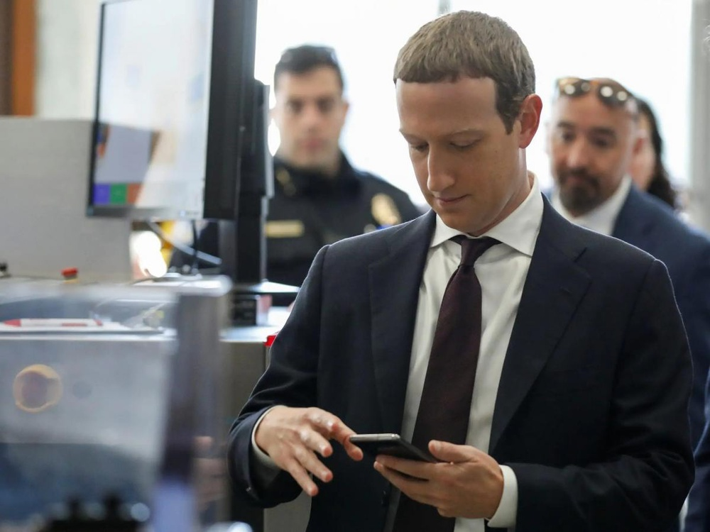 Facebook chi số tiền siêu khổng lồ để bảo vệ Mark Zuckerberg trong năm 2020 Ảnh 2