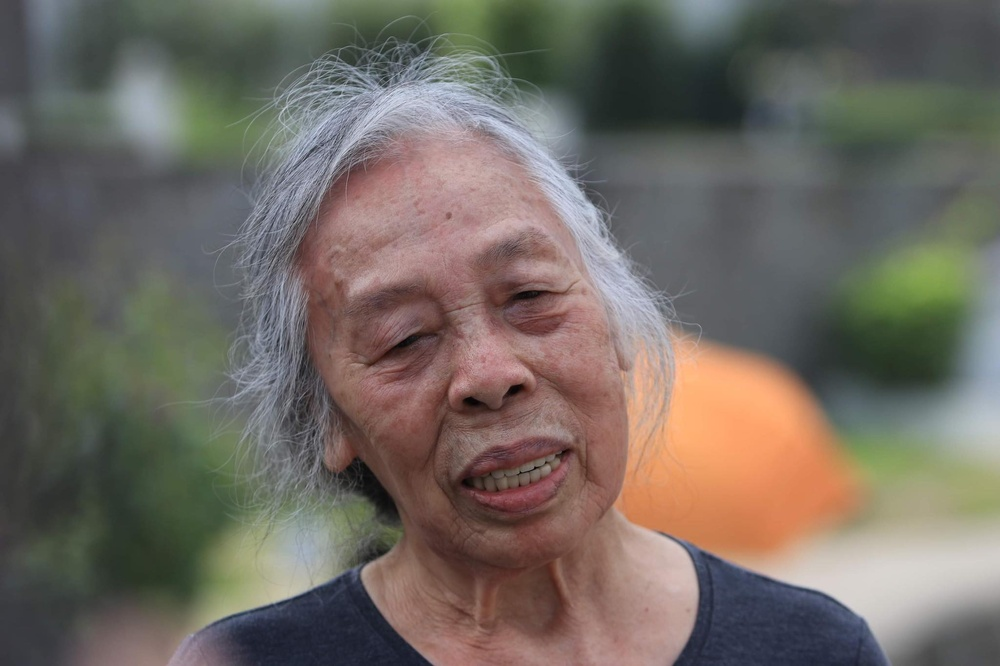 Chùm ảnh: Người Hà Nội đội nắng lên tận Hòa Bình đi tảo mộ Tết Thanh minh Ảnh 5