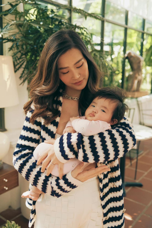 Đông Nhi công khai quản lý mới là bé Winnie, con gái quyền lực cứ thích là cho mẹ 'nghỉ việc' Ảnh 2
