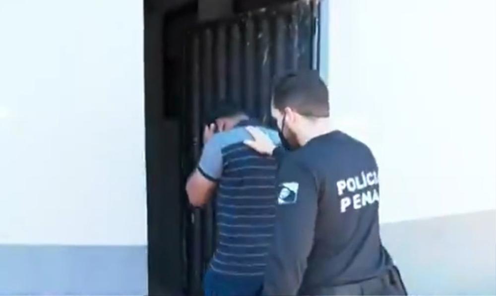 Giết bạn gái rồi nhét trong tủ quần áo, cảnh sát đến nhà phát hiện âm mưu đáng sợ hơn Ảnh 6