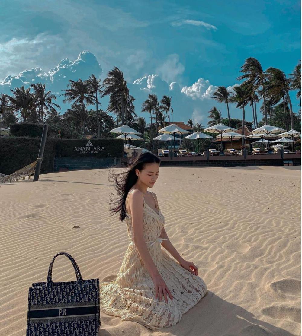 Hoa hậu Phương Khánh khoe đường cong nữ thần trong bộ đồ bơi khoét hông cao Ảnh 5