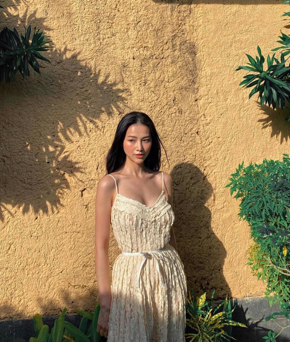 Hoa hậu Phương Khánh khoe đường cong nữ thần trong bộ đồ bơi khoét hông cao Ảnh 3