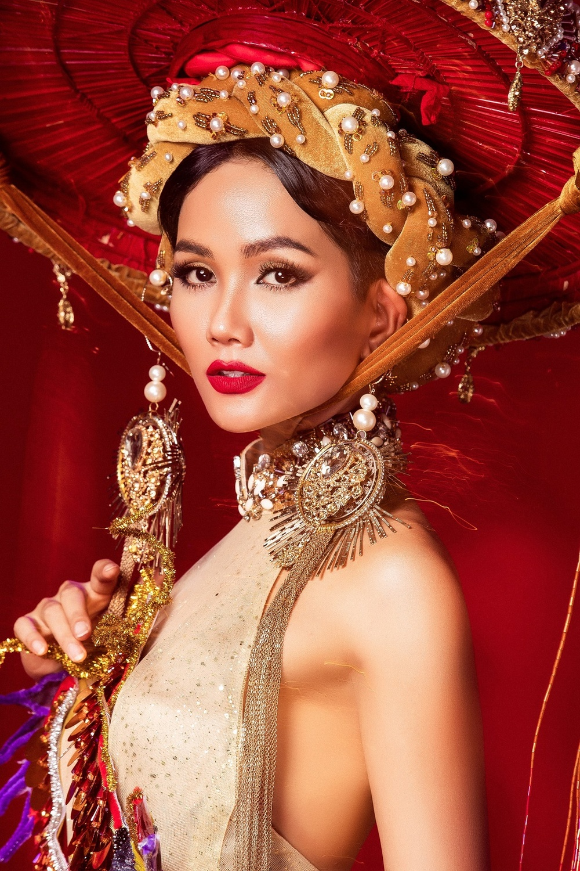 Thiết kế trang phục dân tộc cho Trân Đài bị tố 'ăn cắp': Thí sinh trộm bản vẽ từ Miss Universe Vietnam? Ảnh 4