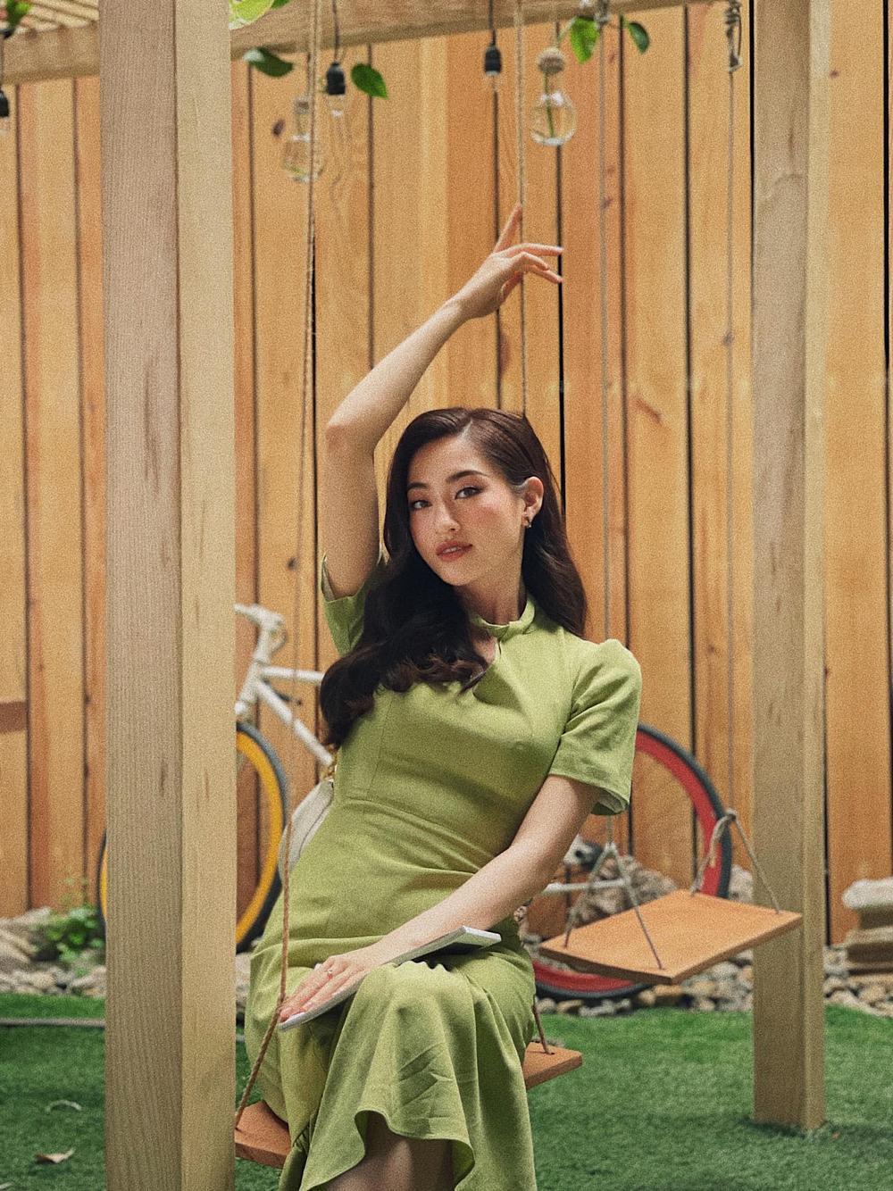 Hết khoe body gợi cảm, Lương Thùy Linh 'kín cổng cao tường' nhưng thần thái bén ngót khiến fan thán phục Ảnh 3