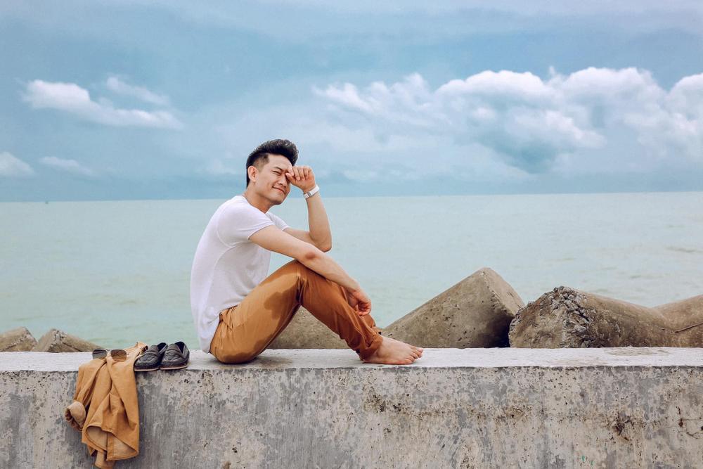 Trót đăng ảnh quá đẹp trai, Quý Bình bị vợ đại gia công khai 'hờn dỗi' Ảnh 2