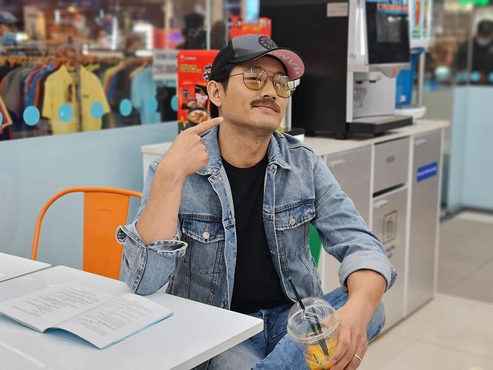 Trót đăng ảnh quá đẹp trai, Quý Bình bị vợ đại gia công khai 'hờn dỗi' Ảnh 4