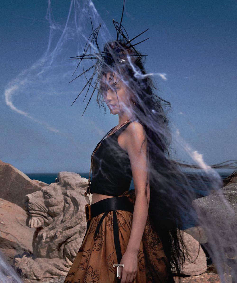 Angelababy hóa cô 'phù thủy hắc ám' xinh đẹp và ma mị trên bìa tạp chí Ảnh 6