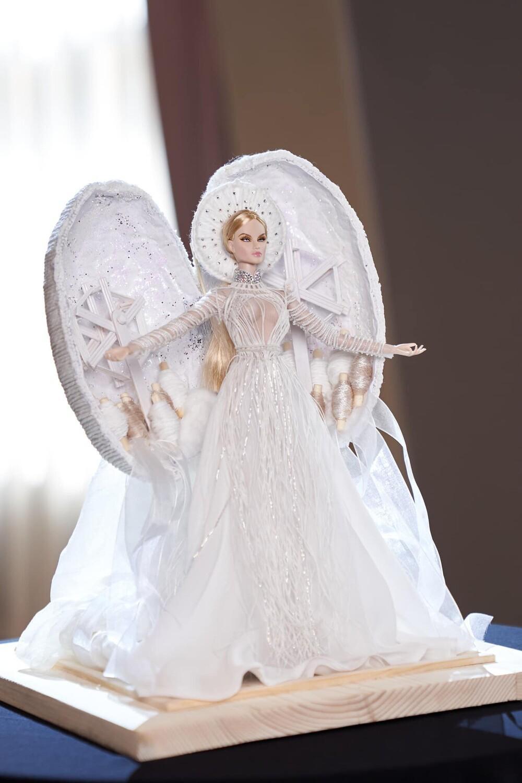 'Kén Em' lộ diện, fan khen National Costume của Khánh Vân tại Miss Universe không kém cạnh đối thủ nào Ảnh 5